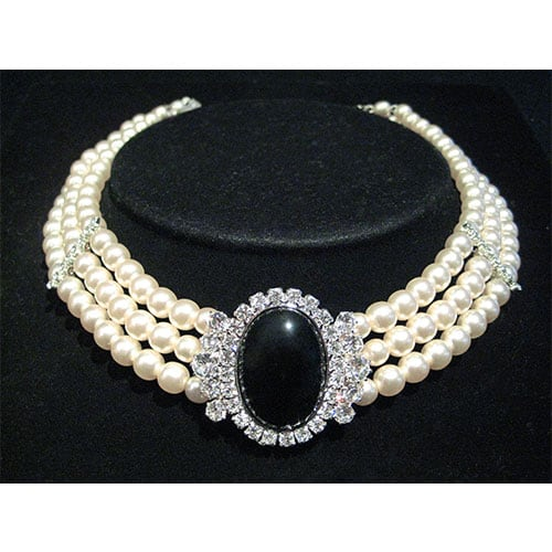 Costume diamond and pearl choker valued at e-ValueIt